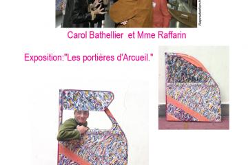 Peintures de femmes sur portière de 2CV à Arcueil.